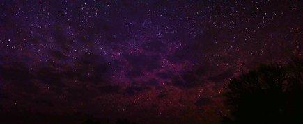 Žvaigždynai virš ežero