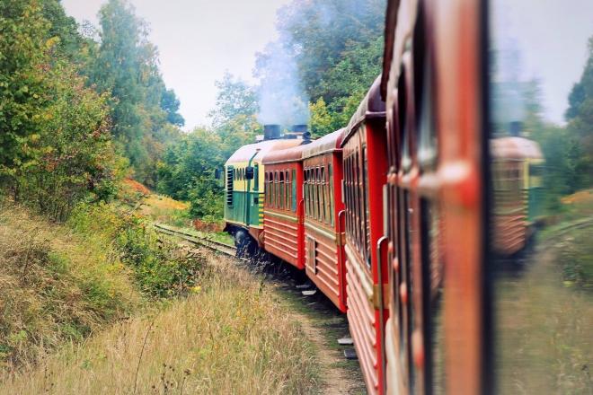 Išvyka siaurojo geležinkelio traukinuku